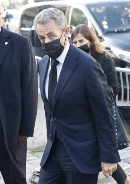 Arrivée de Nicolas Sarkozy à la messe funéraire en hommage à Bernard Tapie