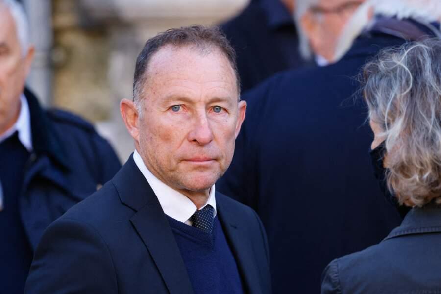 Arrivée de Jean-Pierre Papin à la messe funéraire en hommage à Bernard Tapie