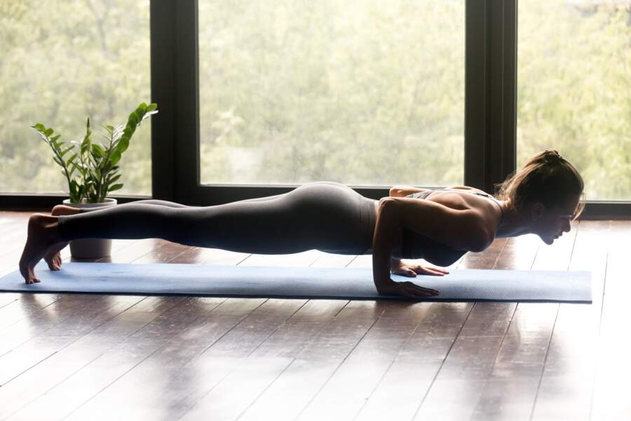 Pour muscler les bras : la posture du Chaturanga